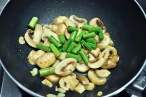 Pasta With Mushroom & Asparagus 4